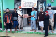 Pos Indonesia Berikan Bantuan Korban Banjir Kalimantan dan Gempa Bumi Mejene