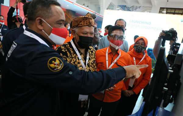 Pos Indonesia Launching Pos Migran Indonesia, Kemudahan Transaksi
