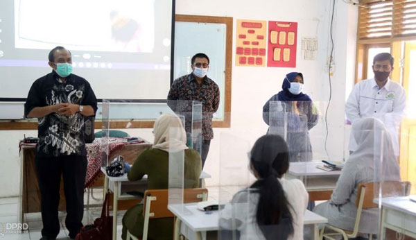DPRD Jabar, Lakukan Monitoring Kesiapan PTM di SMA 1 Cimahi