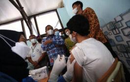Vaksinasi di Kota Bandung Capai 71 Persen, Warga Tatap Pakai Prokes Ketat