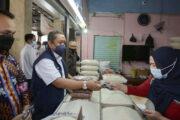 Meski Angka Covid-19 Melandai, Para Pedagang Pasar Tetap Pakai Prokes